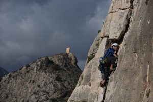 Andrew Jay climbing Viejos tiempos at Sierra De Toix in the Costa Blanca