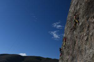 A trio of climbers enjoying so 6s at Chulilla