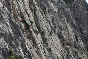 One of the first great easy routes on Toix Far Oeste. Home to many a introduction to hot rock climbing in the Costa Blanca.