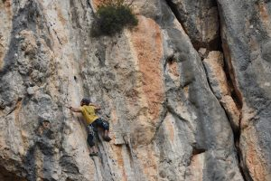 Tufa Groove a fantastic and puppy 6b+ at Olta, Costa Blanca.