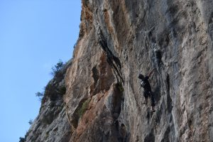 Sabe about to get airborne on Acrobat porcine, 7a, Sella, Costa Blanca