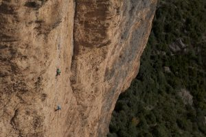 Looking across at Fiesta Del Los Biceps from the easier 6a+ routes.